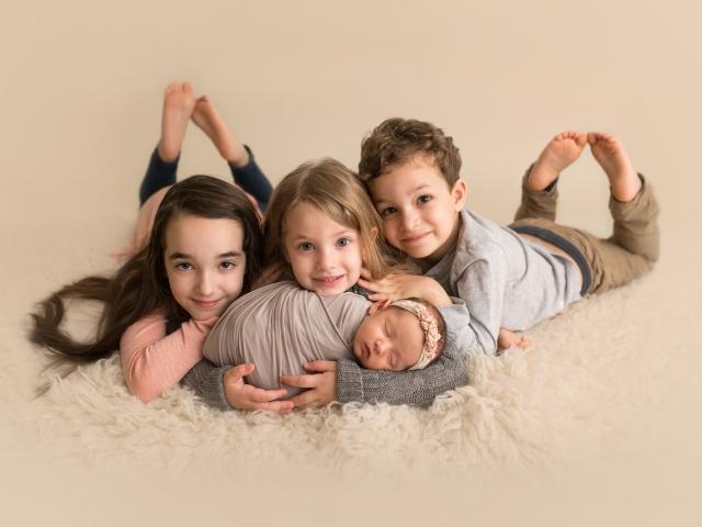 Four Siblings newborn photo